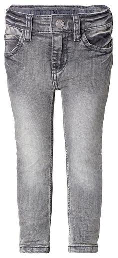 Jeans Max    Eine coole Vintage-Jeans sollte wirklich in keinem Jungenkleiderschrank fehlen!    Wie wär's mit Noppies Slim-Fit-Jeans Max? Aus angenehm weichem Baumwoll-Mix mit aktueller, grauer Vintage-Waschung.    Der verstellbare Bund mit praktischem Schiebeknopf sorgt für einen perfekten Sitz und optimalen Tragekomfort.    Material: 98% Baumwolle / 2% Elasthan...