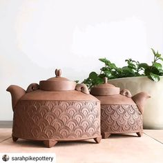 A Business Workshop just for Potters! Learn how to make a living off your ceramics. Read More Get our Newsletter Hand Built Pottery, Slab Pottery, Pottery Mugs, Pottery Clay, Thrown Pottery, Beginner Pottery, Pottery Videos, Ceramic Texture, Pottery Handbuilding