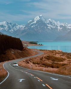 It's our last day in New Zealand and it's been a pleasure ripping around the South Island. I've genuinely been blown away, as much as I… Places To Travel, Places To See, New Zealand South Island, Living On The Road, Beautiful Roads, New Zealand Travel, Travel Scrapbook, Australia Travel, Visit Australia