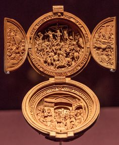Intricately Carved 16-Century Prayer Nuts Open to Reveal Scenes of Devotion - My Modern Met