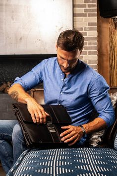 Yes, it's Monday again! Have a nice week. 💪  #work #workfromhome #TheChesterfieldBrand #leatherbags #honouryoursuccess #TheChesterfieldBrand #chesterfieldbags #leatherbags #office #werk #lerentas #aktetas #laptopbag #leather #success #menwithstyle #ootd #menwithclass #Joe Leather Laptop Bag, Laptop Bags, Leather Shoulder Bag, Leather Bag, The Ch, It's Monday, Success, Ootd, Mens Fashion