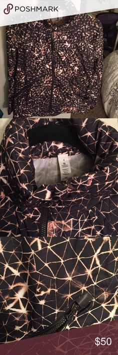 Lululemon Rain/Running Jacket Black and gold twilight patterned jacket, never warn lululemon athletica Jackets & Coats