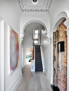 An historic Victorian terrace was given a new lease of life by Matt Gibson and Karen Batchelor of Matt Gibson Architecture + Design, which maintains its heritage ethos with a contemporary extension and interior. Modern Victorian Homes, Victorian House Interiors, Victorian Home Decor, Victorian Houses, Terraced House, Melbourne, Victorian Terrace Hallway, Victorian Terrace Interior, Home Remodeling Contractors