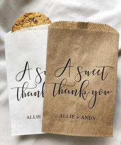 Wedding favor ideas + inspiration to help you ditch the favors guests will toss and give them something unique that they'll want to keep! Cute favor ideas, sustainable wedding favors, food favors, DIY wedding favors and other favors that guests will love! Creative Wedding Favors, Inexpensive Wedding Favors, Elegant Wedding Favors, Edible Wedding Favors, Cheap Favors, Wedding Favor Bags, Beach Wedding Favors, Personalized Wedding Favors, Wedding Favors For Guests