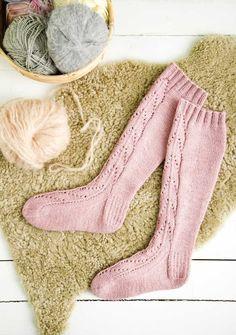 Marimekko, Knitting Socks, Fun Projects, Leg Warmers, Christmas Stockings, Ravelry, Knit Crochet, Slippers, Diy Crafts