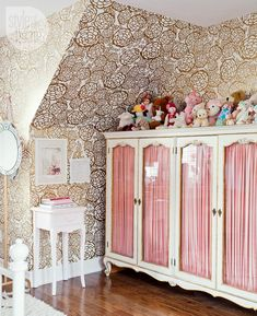 Girls' bedroom: Antique cabinet