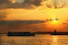 Kadıköy'e yaklaşırken gün batımı.
