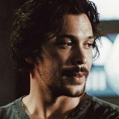 Bob as Bellamy *season Bellarke Fanfiction, Bob Morely, The 100 Serie, I Cant Lose You, The 100 Characters, Eliza Taylor, We Meet Again, Film Books, The Cw