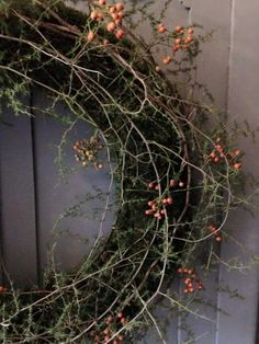 Tiny berries mossy wreath