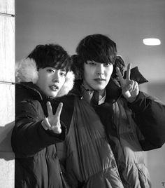 Lee Jong Suk and Kim Woo Bin Compete for Better Viewer Ratings Lee Jong Suk Kim Woo Bin, Lee Jung Suk, Lee Hyun, Asian Actors, Korean Actors, Korean Dramas, Kim Wo Bin, School 2013, W Two Worlds