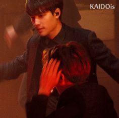 Exo KaiSoo I luv it wen D.O did that lil frown smile than Kai had that weird smirk on his face Kaisoo, Kyungsoo, Chanbaek, Chanyeol, Shinee, Jonghyun, K Pop, Exo Couple, Xiuchen