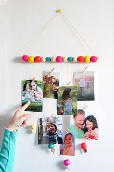 How to Make Awesome Gifts with Photos Photo Wall Hanging, Hanging Photos, Photo Craft, Diy Photo, Projects For Kids, Crafts For Kids, Rainbow Room, Art Birthday, Fathers Day Crafts