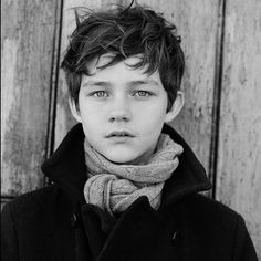 Levi Miller To Play Cat Grant's Son On Supergirl It's a bird! It's a plane! It's a new Supergirl casting announcement!