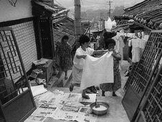 김기찬(Kim Ki-Chan) Old Pictures, Old Photos, Time In Korea, Korean People, The Old Days, History Photos, Photojournalism, South Korea, The Past