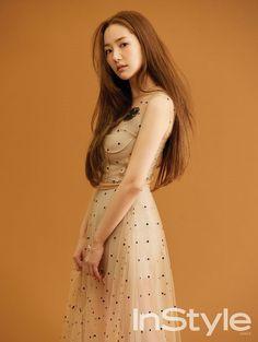 Park Min Young kỷ niệm 11 năm vào nghề bằng bộ ảnh trên tạp chí InStyle