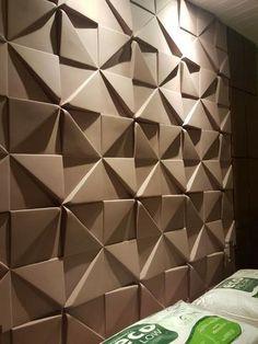 Parede de gesso 3D marrom Foto de OLX Wall Panel Molding, Wall Panel Design, Decorative Wall Panels, 3d Wall Panels, Wall Cladding Interior, Wall Pannels, 3d Wandplatten, 3d Wall Tiles, Room Partition Designs