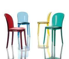 http://www.architonic.com/pmsht/murano-vanity-chair-magis/1139753