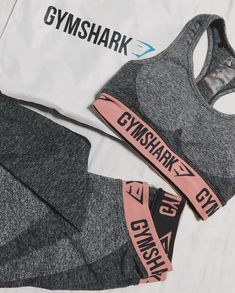 A perfect match. @jasminesyk styles the Flex Sports Bra and Leggings in Charcoal Marl/Peach Pink.