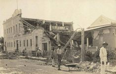 Terremoto Mayaguez 1918 - History of Puerto Rico - Wikipedia Old Pictures, Old Photos, Vintage Photos, Tsunami, Puerto Rico History, Puerto Rican Culture, Puerto Ricans, Beautiful Islands, Historical Photos