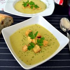 Creamy Zucchini Soup Recipe - Get this yummy and easy vegan recipe! - Spanish Food Recipes