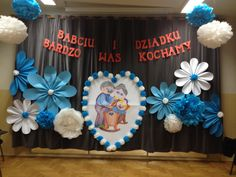 Grandparents Day Preschool, Diy And Crafts, Crafts For Kids, Pre School, Holidays And Events, Classroom Decor, Kids And Parenting, Backdrops, Projects To Try