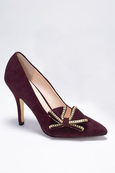 Burgundy bow pumps #VSinsider