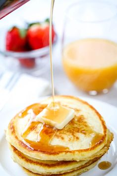 Delicious every time! You'll love these easy, light, fluffy homemade pancakes! Made with ingredients you already have in your pantry. Homemade Pancakes Fluffy, Pancakes Easy, Breakfast Dishes, Breakfast Recipes, Best Pancake Recipe, Easy Light, Quick And Easy Breakfast, Savoury Cake, Mini Cakes