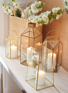 Easy Wedding Centerpieces Guide: Options For Quick Methods Of Fun Wedding Decorating - HiHorse Weds Gold Lanterns, Lantern Centerpieces, Wedding Lanterns, Wedding Table Centerpieces, Flower Centerpieces, Flower Decorations, Centerpiece Ideas, Glass Lanterns, Gold Wedding Decorations
