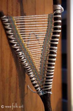 Weaving Textiles, Art Textile, Craft Stick Crafts, Yarn Crafts, Nature Crafts, Pin Weaving, Weaving Art, Tapestry Weaving, Loom Weaving