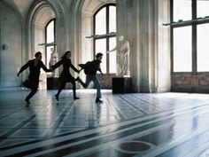 Eva Green, Louis Garrel, and Michael Pitt recreating the race through the Louvre in Bande à part in The Dreamers 2003 Bernardo Bertolucci Ravenclaw, Slytherin Pride, Story Inspiration, Character Inspiration, Poetry Inspiration, Daniel Velazquez, Gwendolyn Shepherd, The Golden Trio, The Dreamers