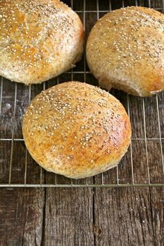 Soft coarse rolls - Food On The Table-Myke grove rundstykker – Mat På Bordet Soft coarse rolls - Baby Food Recipes, Cooking Recipes, Bread Recipes, Sandwiches, Norwegian Food, Norwegian Recipes, Scandinavian Food, Piece Of Bread, Foods To Eat