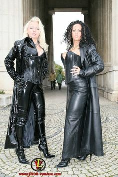 Ministry of Leather Couture Fashion, Runway Fashion, Womens Fashion, Crazy Outfits, Fall Outfits, Latest Fashion Design, Fashion Designers, German Women, Dress Attire