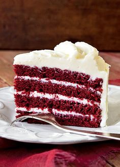 Red Velvet Cake Recipe with BEETS for color, cream cheese white chocolate frosting. Favorite cake in the world The Chew Recipes, Sweet Recipes, Cake Recipes, Dessert Recipes, Healthy Recipes, Köstliche Desserts, Delicious Desserts, Yummy Food, Bolo Red Velvet