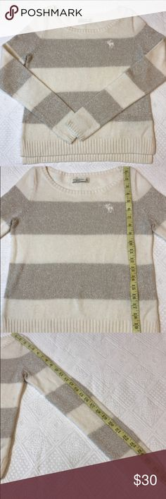 Abercrombie & Fitch Women's Sweater Small Gold Very pretty, gold sparkle thread running through this Abercrombie and Fitch sweater in the gold stripes, alternates with cream color. Size small, gently used condition, very pretty Sweater Abercrombie & Fitch Sweaters Crew & Scoop Necks