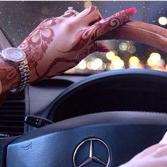Image via We Heart It https://weheartit.com/entry/105724590/via/2449351 #car #driving #girl #7ena