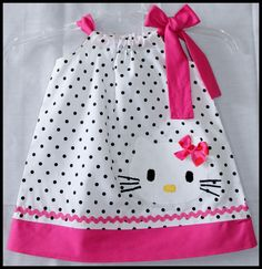 Muito Posh Olá Kitty Vestido Applique