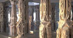 Para encerrar a segunda um outro trabalho de Michael Hansmeyer: Colunas subdivididas - Uma Nova Ordem é uma instalação feita com impressão #3D e #lasercut. Não é à tona que Michael se autodefine como um Arquiteto Computacional! (Imagem: divulgação Michael Hansmeyer) #michaelhansmeyer #3Dprinting #arquitetura #architecture #design #moredesignplease by moredesignplease