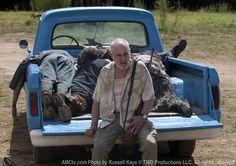 The Walking Dead Season 2 Episode 8 - Nebraska, Dale (Jeffrey DeMunn) Walking Dead Season, The Walking Dead, Jeffrey Demunn, Dead Still, Look Back At Me, Mark Sheppard, Series Premiere, Dead Inside, Stuff And Thangs
