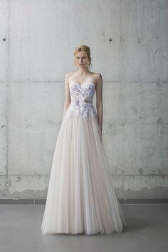 MIRA ZWILLINGER 2016 STARDUST BRIDAL COLLECTION Fiona www.elegantwedding.ca