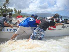 Overhaulin the gear into the water.- Playa Las Galeras in Las Galeras, Samaná