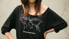 """koszulka """" nietoperek"""" z mapą świata i napisem """"let's go somewhere""""  Oryginalna, wygodna koszulka z nadrukiem mapy świata oraz napisem """"let's go somewhere""""  materiał: bawełna 50%, wiskoza..."""