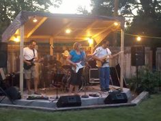 Backyard stage for Dad and the kids!