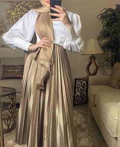 Modest Fashion Hijab, Modern Hijab Fashion, Muslim Women Fashion, Arab Fashion, Hijab Fashion Summer, Casual Dress Outfits, Mode Outfits, Chic Outfits, Classy Outfits