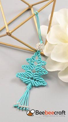 Diy Bracelets Easy, Bracelet Crafts, Jewelry Crafts, Macrame Jewelry Tutorial, Macrame Art, Yarn Crafts, Sewing Crafts, Diy Lace Ribbon Flowers, Diy Accessoires