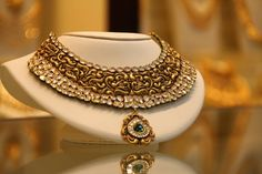 Beautiful antique necklace with uncut diamond Jewelry Design Earrings, Gold Jewellery Design, Necklace Designs, Gold Jewelry, Jewelery, Jewelry Sets, Jewelry Making, Indian Wedding Jewelry, Bridal Jewelry