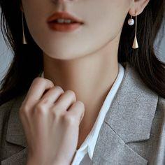 Teardrop Simple Earrings Matte Gold/Silver Metal Drop | Etsy Golden Earrings, Pearl Earrings, Drop Earrings, Simple Earrings, Minimalist Earrings, Matte Gold, Silver Metal, Earrings Handmade, Jewelry Design