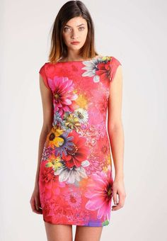 Best 130+ Beautiful Floral Dress https://fazhion.co/2017/03/30/130-beautiful-floral-dress/ Winter gloves are designed in accordance with the requirements of the consumer. Besides dresses, these types of boots seem cool with denim skirts too. Cowboy boots are not only for cowboys and they're seen throughout the ramp.
