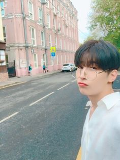 [m/t] the devil works hard, but Han Seungwoo works harder. The Voice, Foto Poster, Korean Boy Bands, My Daddy, Handsome Boys, Boyfriend Material, Pop Group, K Idols, My Boyfriend