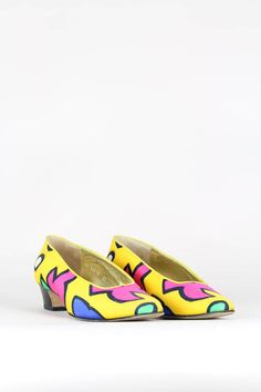 a8adfdb47a11 ESCADA 1980s Vintage Pumps Mid-Heel Yellow Fabric Bold Print Pink Blue  Green Size Germany 39   UK 6   USA 9