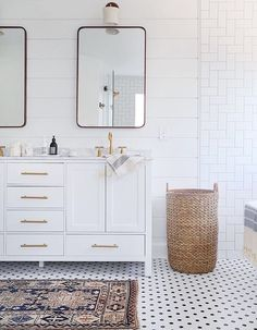 Bathroom decor, where to source antique and vintage rugs online